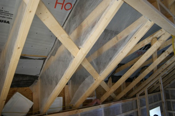 Using Typar to create a ventilation plane below the sheathing of the roof