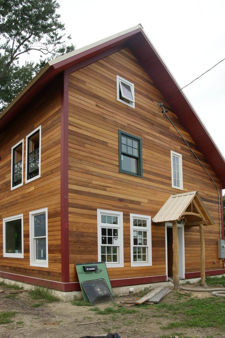 Uncategorized design construction of spartan hannah for Homes with wood siding